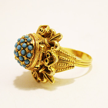 Vintage Florenza Turquoise Borgia Poison Ring - Costume Jewelry