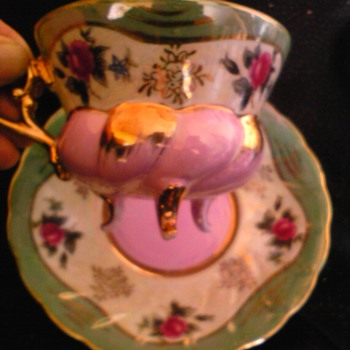 castle three footed tea cup