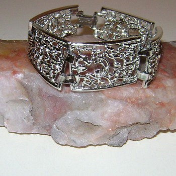 Vintage Sarah Coventry Bracelet - Frozen Lace - Costume Jewelry