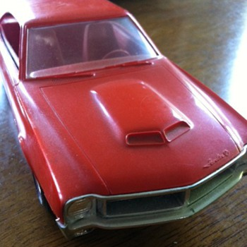 Promo models: 1970 AMC Javelin