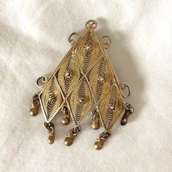 Filigree brooch!