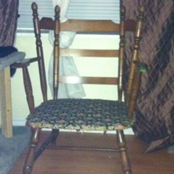 Mystery Canadiana chair