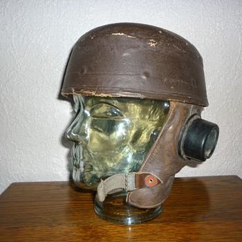 British WWII, D-Day glider pilots helmet - Military and Wartime