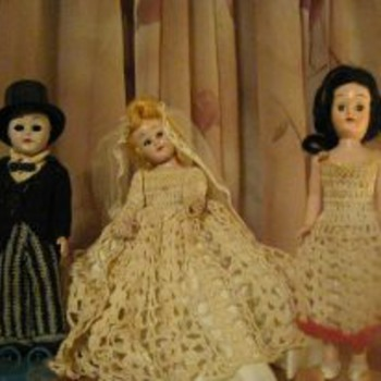 3 hard plastic 6&#039;dolls