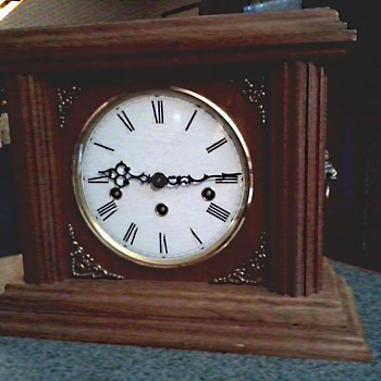 "Mason and Sullivan ""Kit"" Oak Mantel Clock / 8 Note Hermle Movement / Westminster , Whittington , St. Michael's/ Circa 1980's"