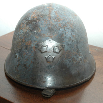 WW2 Helmet? - Military and Wartime