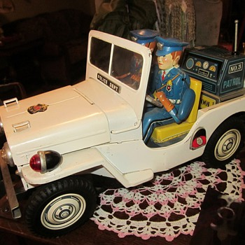 1950's Battery Operated Police Jeep, Japan... - Toys