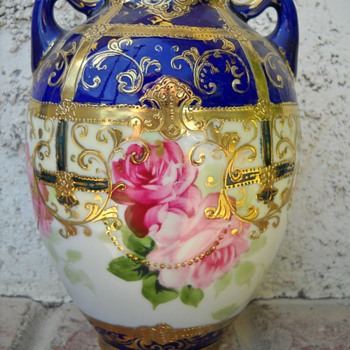 HAND PAINTED NIPPON FLOWER VASE