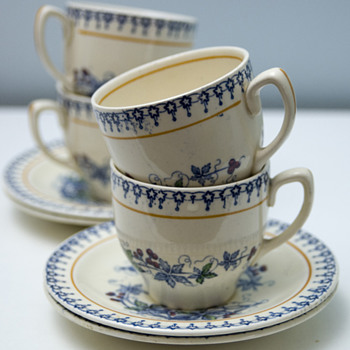 Set of Four Cups & Saucers by Wood & Sons Ltd c.1930's - Art Deco
