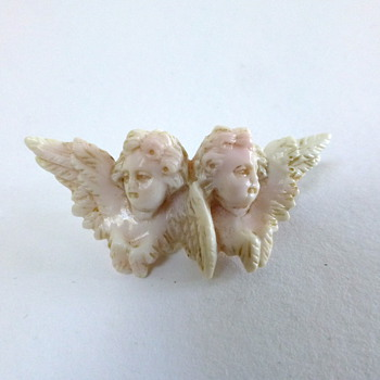 Antique carved angels coral brooch - Fine Jewelry