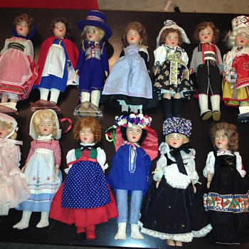 Recognize these plastic dolls?
