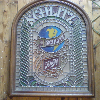 "1977 Schlitz ""Stained Glass"" Lighted Sign - Breweriana"