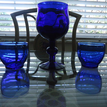 DEEP BLUE GOBLET WITH TWO CUPS.. - Glassware