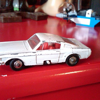 Matchbox Ford Mustang with steering - Model Cars