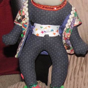  CAT DOLL . LOOKS HOME MADE.