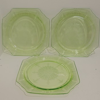 "Anchor Hocking ""Princess"" pattern (1931-1935) - Three Plates - Glassware"