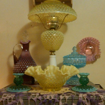 large fenton topaz lamp and other hobnail pieces - Glassware