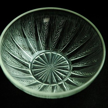 "nice french art deco glass bowl ""les epis"" by RENE LALIQUE"