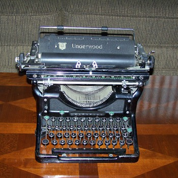 1930's Underwood Typewriter - Office
