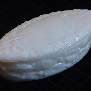 Milk glass oval water lily dresser box