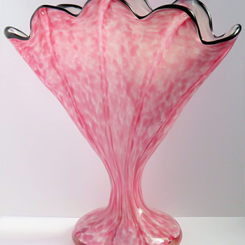 Welz 'Vertical Stripes' Pink Fan Vase - Art Glass