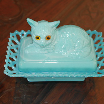 Kitty with Creepy Eyes...  - Glassware