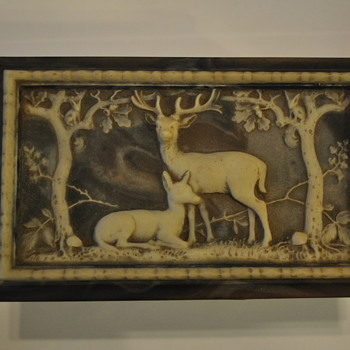 Incolay Deer and Doe jewelry box