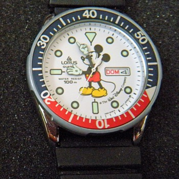 1987 Lorus Mickey Divers Watch - Wristwatches