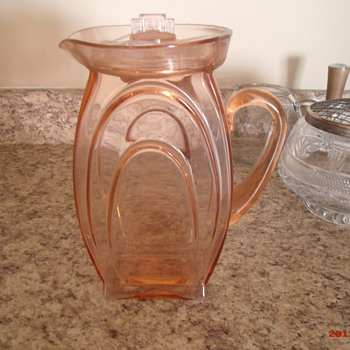 Depression glass pitcher but what pattern????