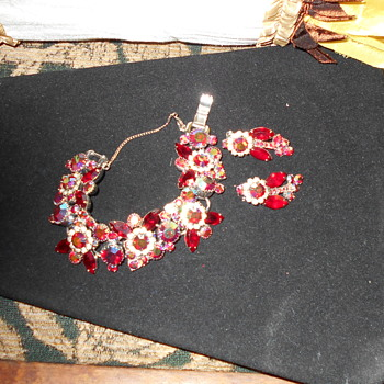 Vintage glass bracelet and earrings