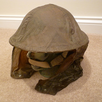 British/Canadian WW11 Anti Gas/Rain cover for steel helmet. - Military and Wartime