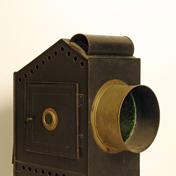Unknown Magic Lantern - Cameras