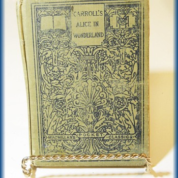 "BOOK - 1910 - ""CARROLL ALICE IN WONDERLAND"" == MACMILLAN POCKET CLASSIC - Books"