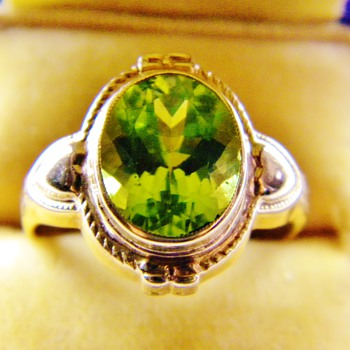 Vintage Deco Ostby &amp; Barton Peridot 10k Rose Gold Ring Mint - Fine Jewelry