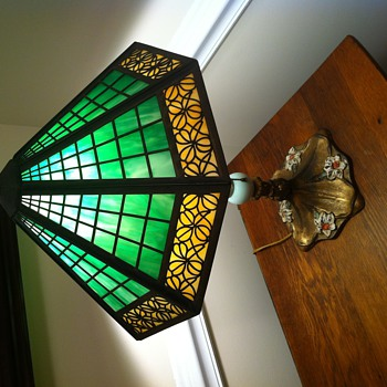Slag Glass Lamp, Maker? Year? - Lamps