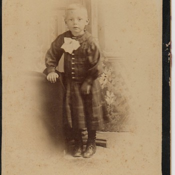 Cabinet Card of Leonard Mitchell