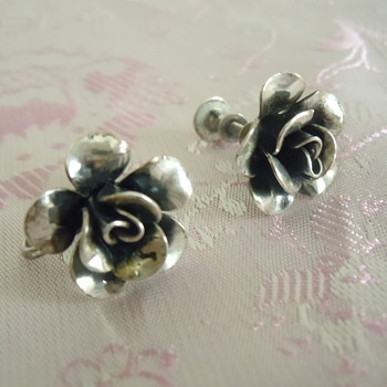 Sterling silver Jewel Art screw back little rose earrings - Fine Jewelry