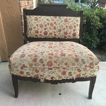 Need help identifying this chair please.