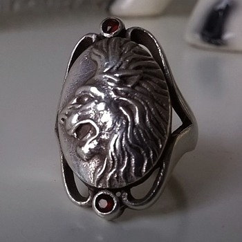 Sterling Silver & Garnet Lion's Head Ring & S.S. Pendant