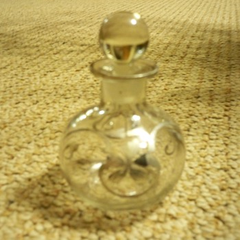 Early 2oth century perfume bottle