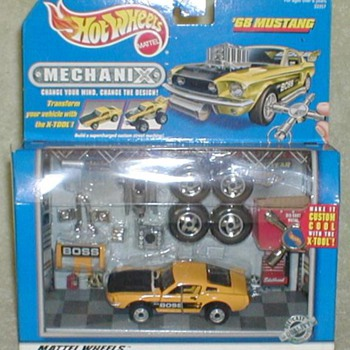 "Hot Wheels ""Mechanix"" - '68 BOSS Mustang"