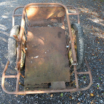 Irish Army old Vickers Machine Gun Cart - Military and Wartime