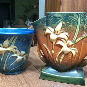 Roseville Zephyr Lily - Art Pottery