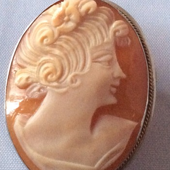 Antique cameo - Victorian Era