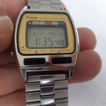 Pulsar gaming watch (space attack game)Y765