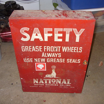 grease seals metal display cabinet - Advertising