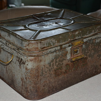 Antique 'Savoy' Vented Cake Storage Tin - Kitchen