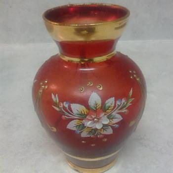 LOVELY RED MOSER  VASE - Art Glass