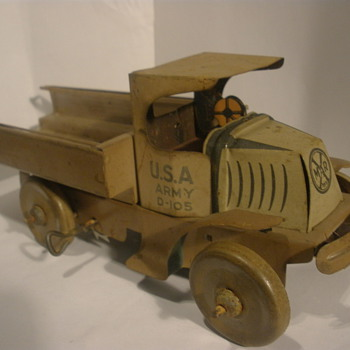 Marx large size army truck, 1920s. Tin wind up.