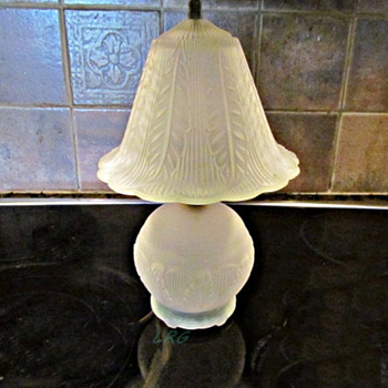 1930-40 Art Nouveau Glass Boudoir Lamp